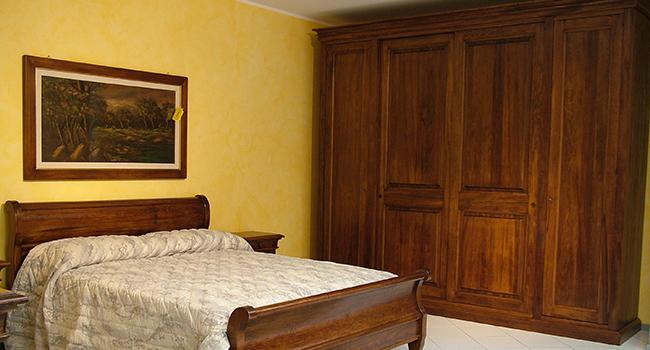 Camera Da Letto In Legno Prezzo : Prezzi camere da letto in legno massello joodsecomponisten