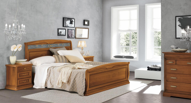 Camere da letto classiche in legno made in italy for Camere da letto made in italy
