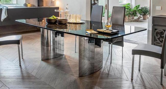Vendita tavoli in cristallo trasparente con base in metallo for Tavoli in cristallo